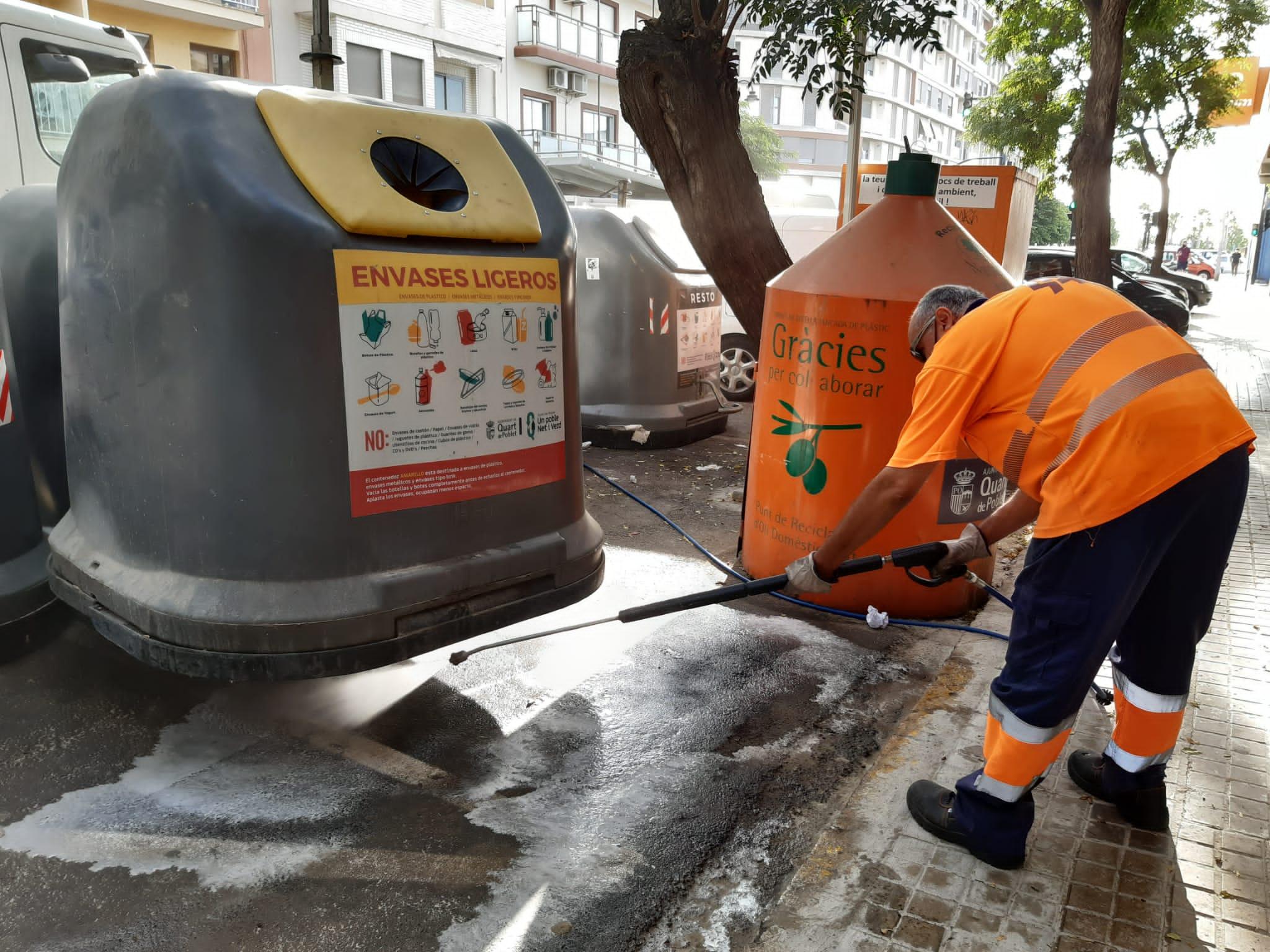 El Ayuntamiento de Quart de Poblet refuerza las tareas de limpieza y desinfección en el municipio