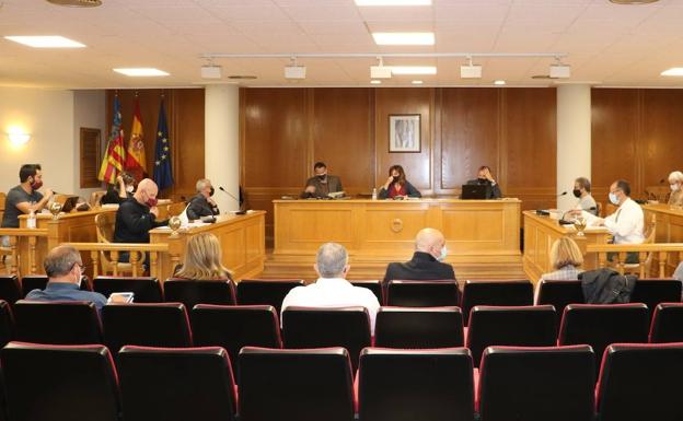El pleno de Quart de Poblet firma una declaración conjunta que confirma la prioridad de la reactivación social y económica del municipio